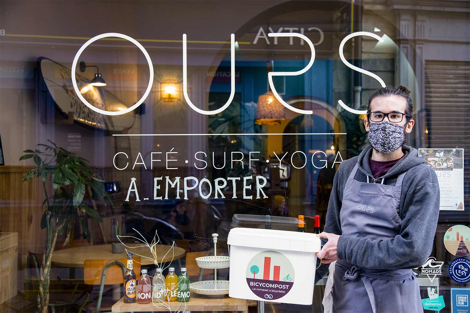 Ours café client de BicyCompost