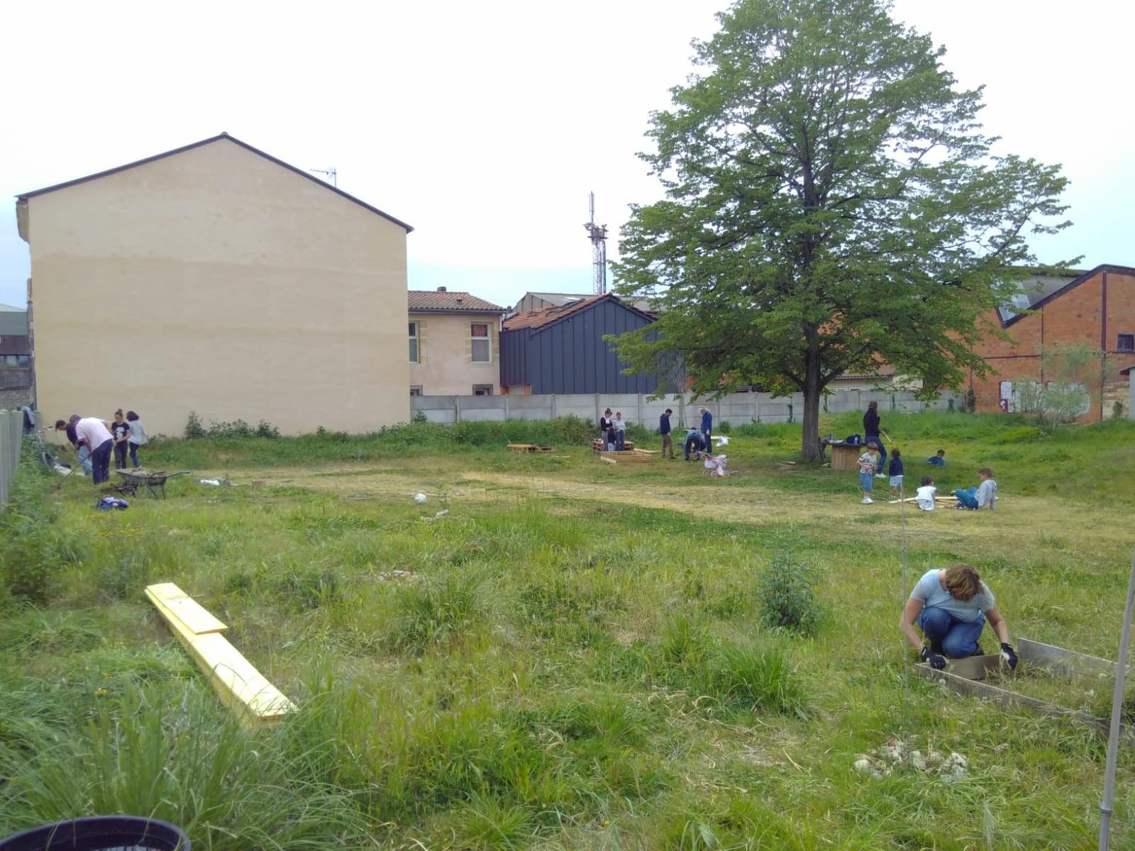 Terrain vert rue Mayaudon